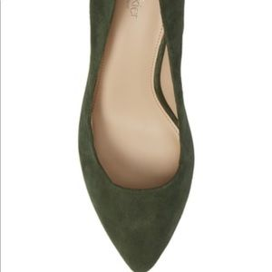 botkier stella pump green color size 6